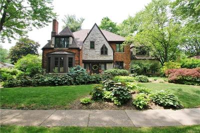 Bloomfield Hills Single Family Home For Sale: 204 S Glengarry Rd