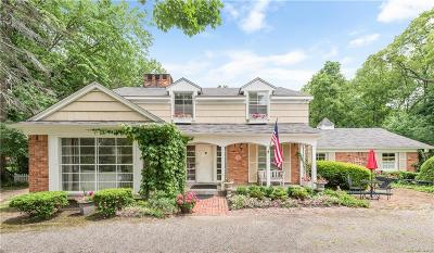Bloomfield Hills Single Family Home For Sale: 2651 Squirrel Rd