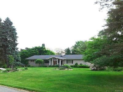 Rochester Hills Single Family Home For Sale: 1249 Green Ridge Rd