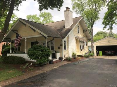 Rochester Single Family Home For Sale: 109 Hacker St
