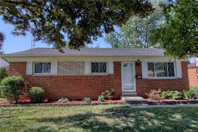 Sterling Heights Single Family Home For Sale: 8264 Tinkler Rd