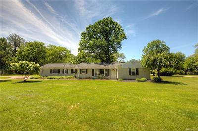Southfield Single Family Home For Sale: 23175 Oak Glen Dr