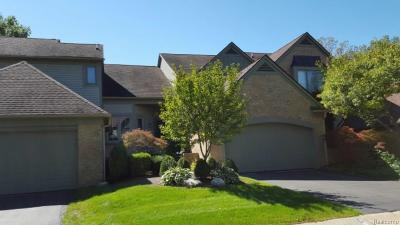 Farmington Hills Condo/Townhouse For Sale: 37432 Legends Trail Dr