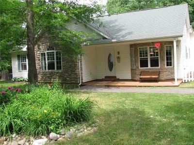 Lapeer Single Family Home For Sale: 5612 Jones Rd