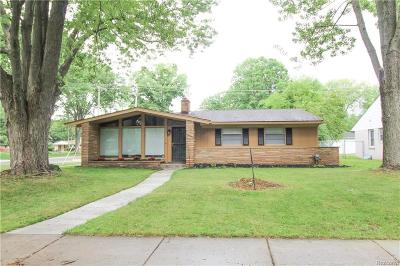 Southfield Single Family Home For Sale: 27754 Spring Arbor Dr