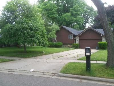 Southfield Single Family Home For Sale: 29340 Marimoor Dr