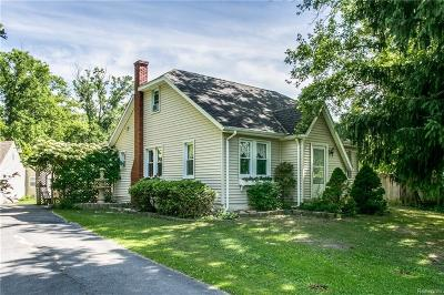 St. Clair Single Family Home For Sale: 5275 Gratiot Ave