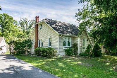 Saint Clair  Single Family Home For Sale: 5275 Gratiot Ave