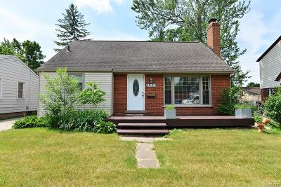 Royal Oak Single Family Home For Sale: 124 E Thirteen Mile Rd