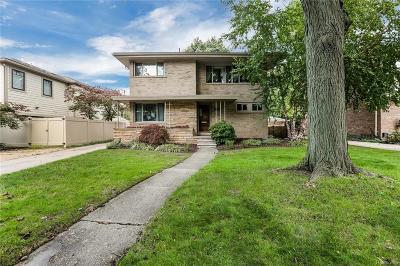 Huntington Woods Single Family Home For Sale: 8376 Huntington Rd
