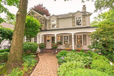 Huntington Woods Single Family Home For Sale: 26506 Hendrie Blvd