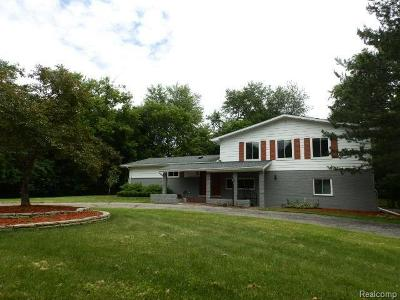 Oakland Single Family Home For Sale: 5795 Inkster Rd