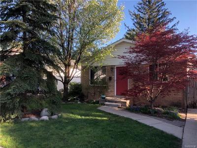 Center Line Single Family Home For Sale: 7287 Henry