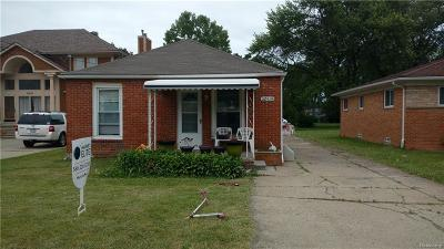 Saint Clair Shores Single Family Home For Sale: 32414 Robeson St