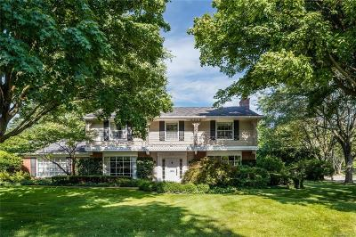 Bloomfield Hills Single Family Home For Sale: 616 N Glengarry Rd