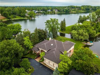 Bloomfield Hills Single Family Home For Sale: 1645 Kirkway Ln