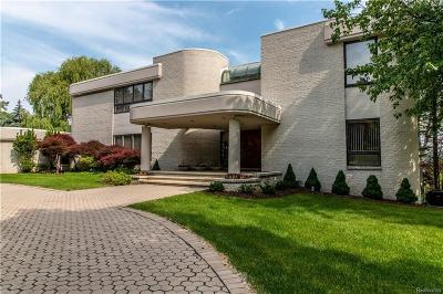 Bloomfield Hills Single Family Home For Sale: 3612 Shoreview Crt