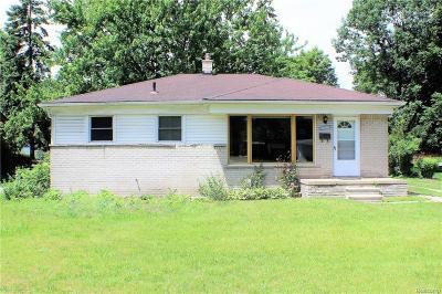 Oak Park Single Family Home For Sale: 24245 Coolidge Hiwy