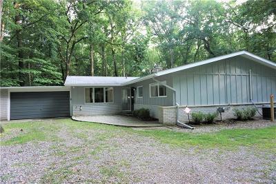 Rochester Hills Single Family Home For Sale: 1157 Cripple Creek Ln