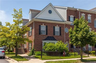 Sterling Heights Condo/Townhouse For Sale: 42831 Richmond Dr