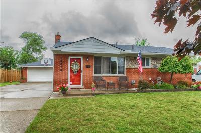 Fraser Single Family Home For Sale: 18078 S Davidson St N