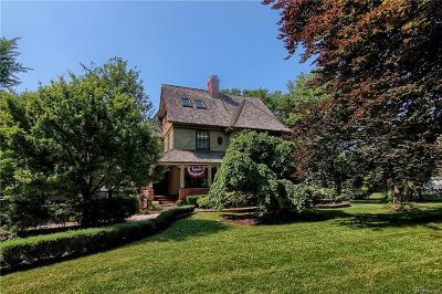 Grosse Pointe Farms Single Family Home For Sale: 59 Lake Shore Rd