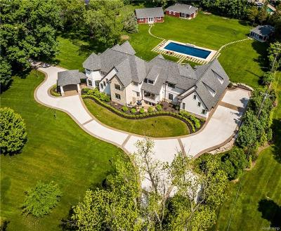 Franklin Single Family Home For Sale: 25670 River Dr