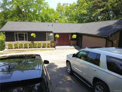 Bloomfield Hills Single Family Home For Sale: 27050 W Fourteen Mile Rd