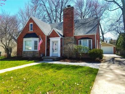 Grosse Pointe Woods Single Family Home For Sale: 1535 S Renaud Rd