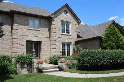 Bloomfield Hills Single Family Home For Sale: 1672 Shaker Heights Crt