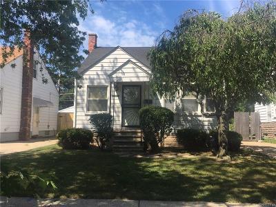 Harper Woods Single Family Home For Sale: 20017 Elkhart St