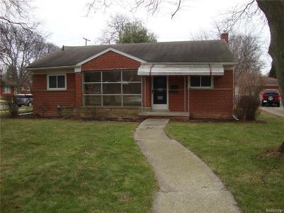 Beverly Hills Single Family Home For Sale: 31280 E Rutland St