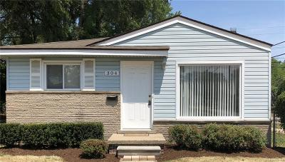 Madison Heights Single Family Home For Sale: 304 W Brockton
