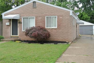 Center Line Single Family Home For Sale: 8319 Helen