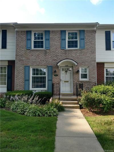 Royal Oak Condo/Townhouse For Sale: 2408 W Thirteen Mile Rd
