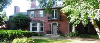 Grosse Pointe Farms Single Family Home For Sale: 30 Lee Gate Ln