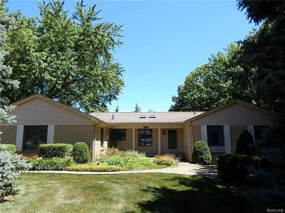 Plymouth Single Family Home For Sale: 13450 Danbury Crt