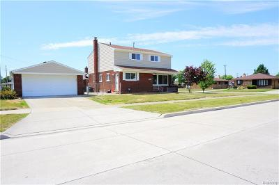 Saint Clair Shores Single Family Home For Sale: 20008 Valera St