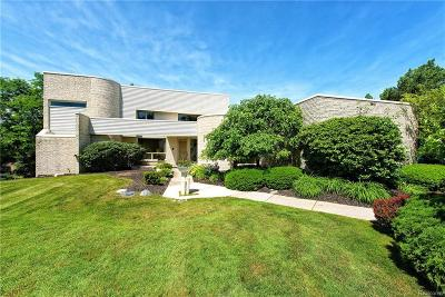 Bloomfield Hills Single Family Home For Sale: 1812 Moors Crt