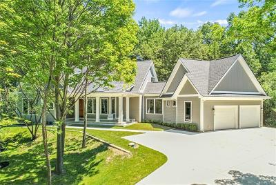 Bloomfield Hills Single Family Home For Sale: 299 N Berkshire Rd
