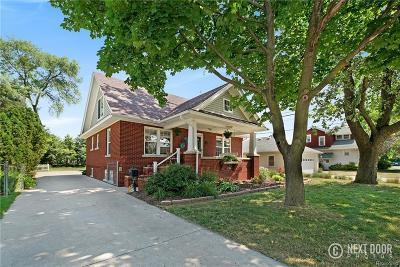 Plymouth Single Family Home For Sale: 844 Simpson St