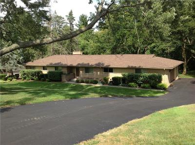 Bloomfield Hills Single Family Home For Sale: 7141 Fairhill Rd