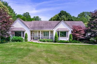 Northville Single Family Home For Sale: 8630 Napier Rd