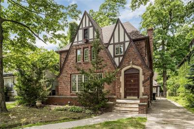 Detroit Single Family Home For Sale: 18455 Wildemere St