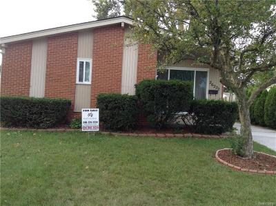 Madison Heights Single Family Home For Sale: 26222 Tawas St