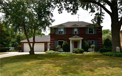 Grosse Pointe Park Single Family Home For Sale: 1013 Balfour St