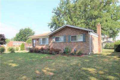 Warren Single Family Home For Sale: 13609 Geoffry Dr