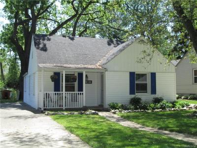 Plymouth Single Family Home For Sale: 42439 Parkhurst Rd