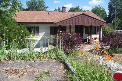 Clarkston Single Family Home For Sale: 4872 Clarkston Rd