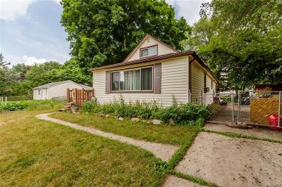 Livonia Single Family Home For Sale: 30020 Saint Martins St